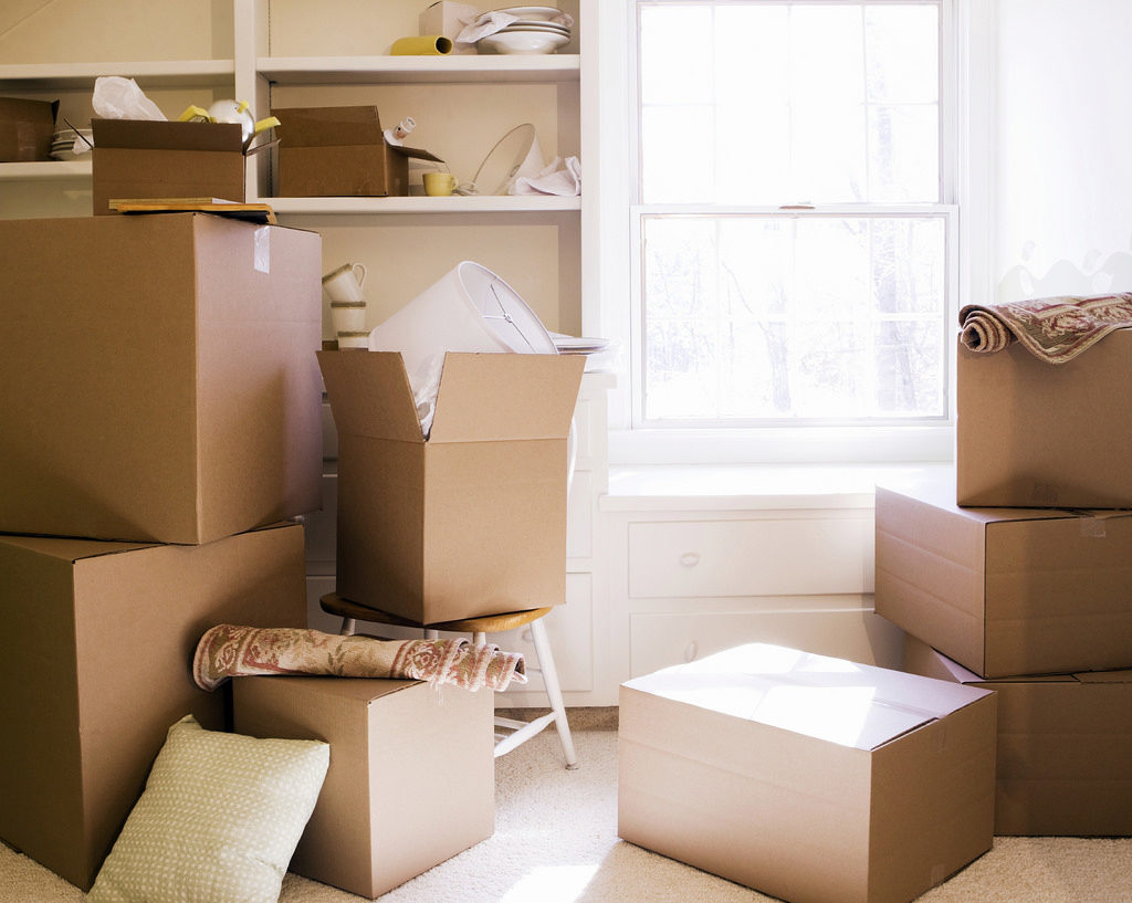 Kisten für alte Sachen für wirksames Aufräumen