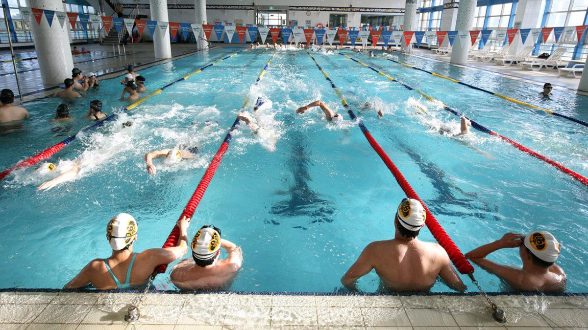 Unterhaltsreinigung im Schwimmbad